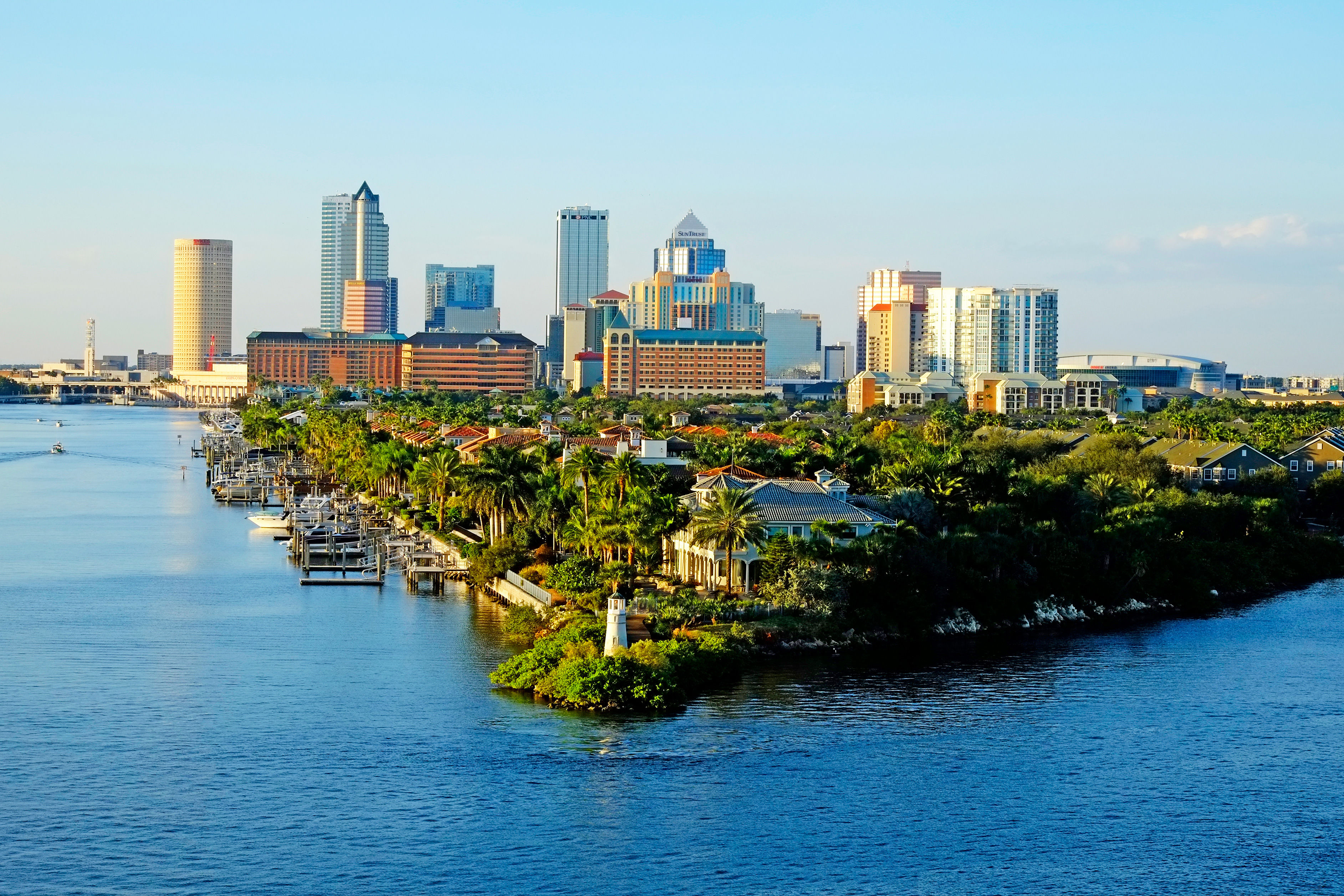 tampa-florida-skyline-2-539787631